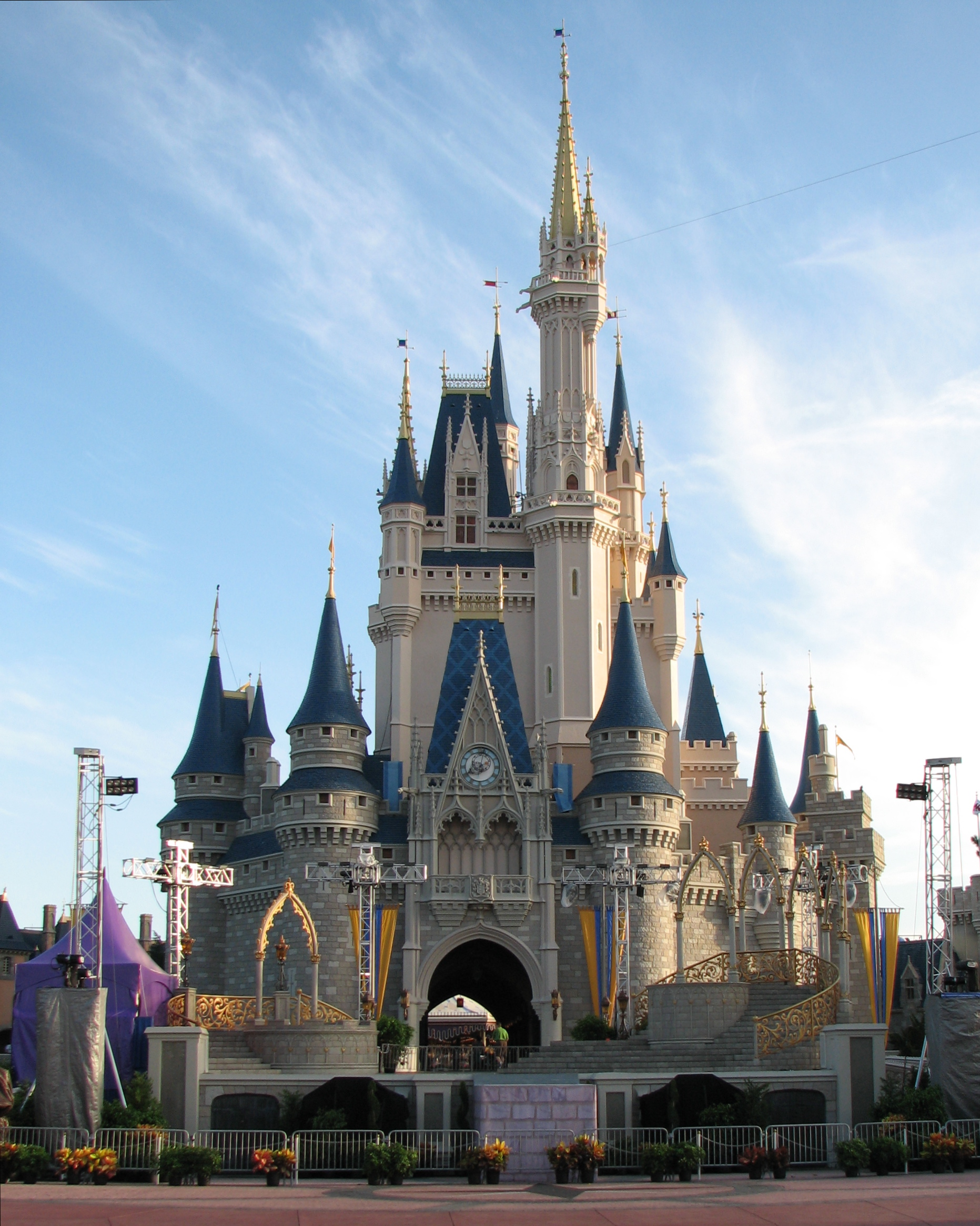 Cinderella castle disney castle disneyland creative clipart wikiclipart